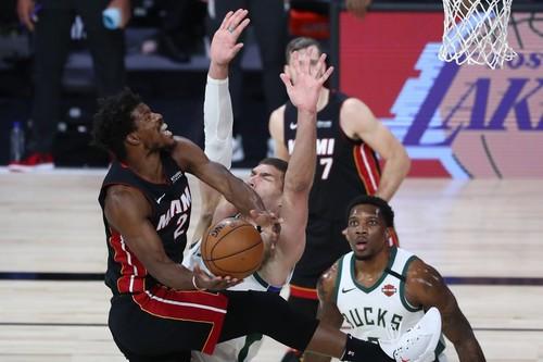 НБА. Майами вышел в финал Востока, Лейкерс повели в серии с Хьюстоном