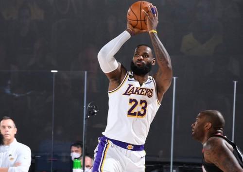 Леброн Джеймс – рекордсмен НБА по победам в плей-офф