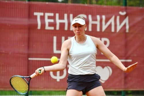 Лопатецкая зачехлила ракетку после первого матча на турнире в Праге