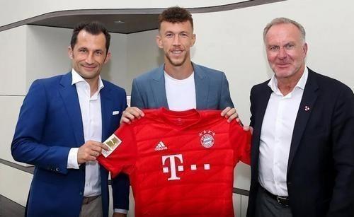Бавария решила не выкупать Перишича. Игрок вернется в Интер