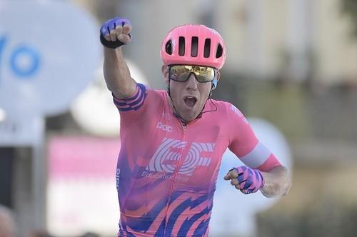 Тиррено-Адриатико. Красивая победа Вудса на третьем этапе