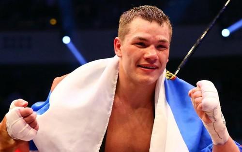 ВИДЕО. Чудинов нокаутировал британца Садика в 12-м раунде