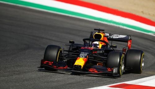 3-я практика Гран-при Тосканы. Мерседесы и Ред Булл разделяет менее 0,1 с
