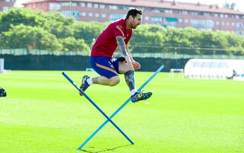 ВИДЕО. Месси сыграл за Барселону