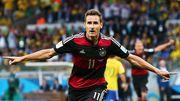 19 лет назад Клозе забил первый гол за сборную Германии