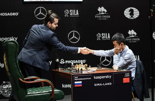 Непомнящий вирвався вперед в шаховому Турнірі претендентів