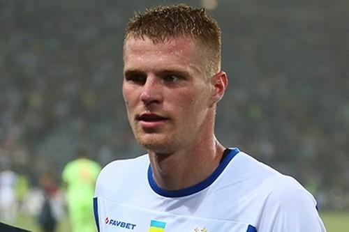 Защитнику Динамо Бурде исполнилось 25 лет