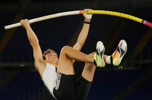 ВИДЕО. Мировой рекорд! Дюплантис побил достижение Бубки в прыжках с шестом