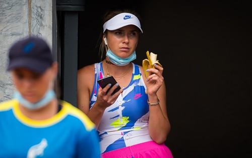 Свитолина впервые проигрывает Вондроушовой и покидает турнир в Риме