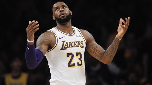 Леброн Джеймс вышел на второе место в истории НБА по матчам в плей-офф