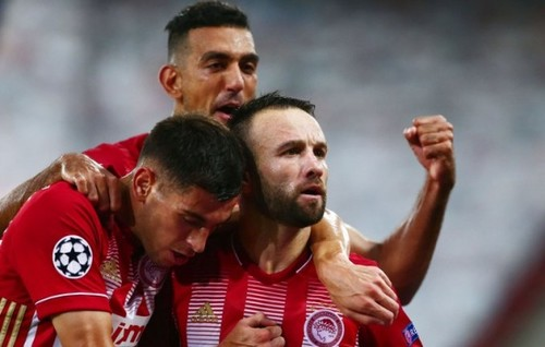 Олимпиакос уверенно выиграл в первом матче плей-офф Лиги чемпионов