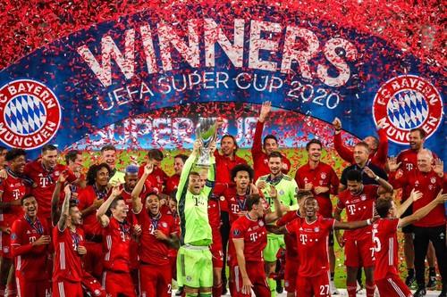 ВИДЕО. Церемония награждения Баварии в матче за Суперкубок УЕФА