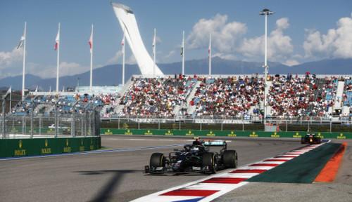 Общий зачет Формулы-1: Боттас отыграл 11 очков у Хэмилтона