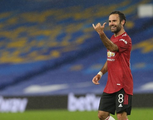 Манчестер Юнайтед забил три гола в ворота Брайтона в Кубке лиги