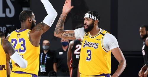 НБА. Лейкерс не заметили Майами в первом матче финала