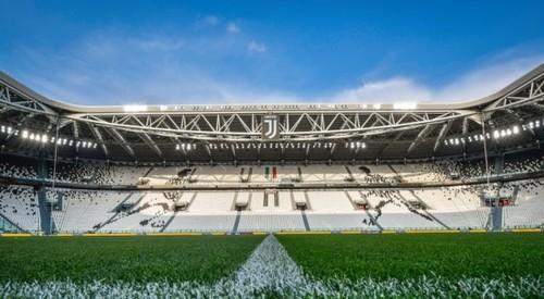 Конфликт Лацио и Ювентуса: римляне хотят играть, туринцы - нет