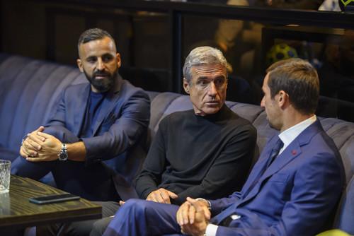 Футболісти Шахтаря зібралися в PM HALL, щоб дізнатися суперників в ЛЧ
