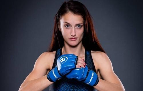 ВИДЕО. Хруст скорпиона! Редким приемом завершился женский бой MMA