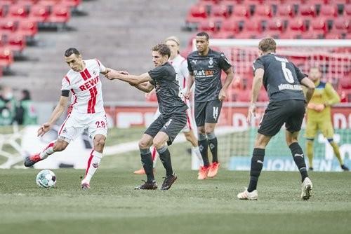 Кельн — Боруссия Менхенгладбах — 1:3. Видео голов и обзор матча