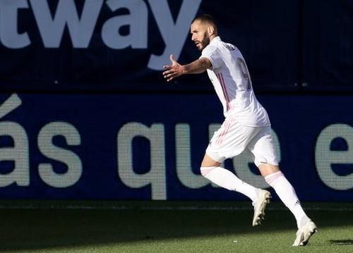 Реал победил Леванте на выезде благодаря голам Винисиуса и Бензема