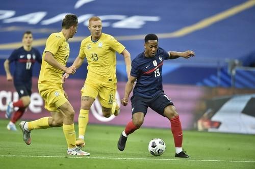 В матче с Францией за сборную Украины дебютировало сразу 5 игроков