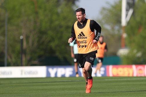 ФОТО. Месси тренируется в составе сборной Аргентины