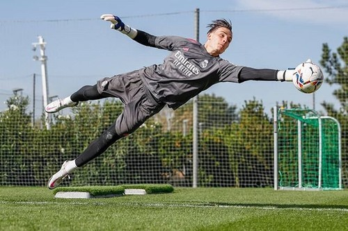 Лунин попал в заявку мадридского Реала на Лигу чемпионов