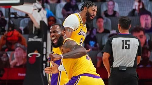 Леброн и Дэвис не получили ни одной награды НБА. Они в шаге от чемпионства