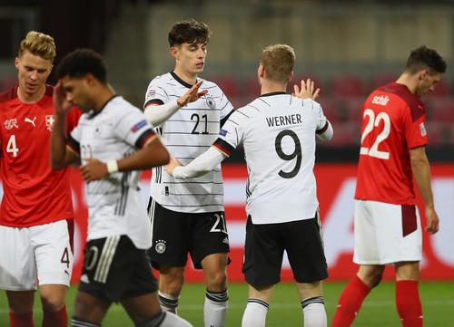 Триллер и потеря очков конкурентами. Германия не смогла одолеть Швейцарию
