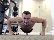 ВІДЕО. Володимир Кличко запустив новий челендж в честь свого 44-річчя