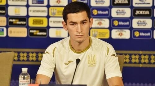 Тарас СТЕПАНЕНКО: «Мой любимый игрок Динамо ушел в Турцию»