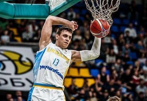 Баскетболист сборной Украины Бобров заразился коронавирусом