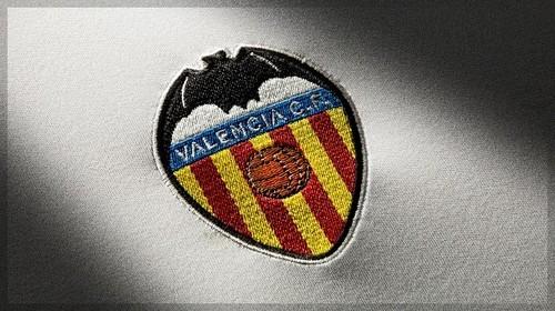 10 игроков и 15 сотрудников Валенсии заражены коронавирусом