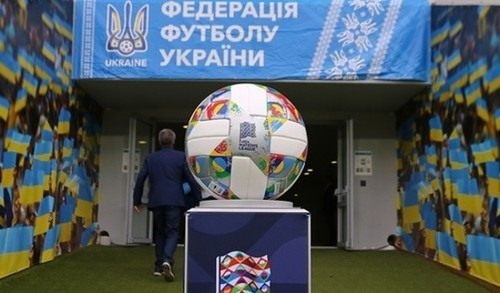 Рональд КУМАН: «До осені матчів збірних не буде»