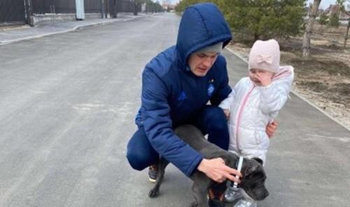 Виталий Буяльский рассказал о карантине и показал домашнего любимца
