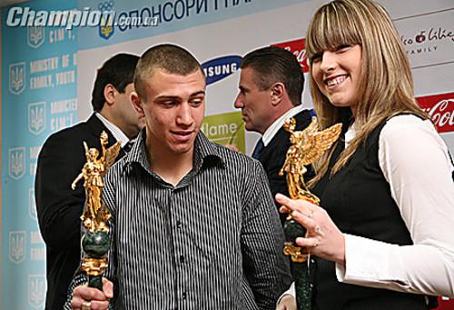 Вернется еще сильнее! Харлан поддержала Ломаченко после поражения Лопесу