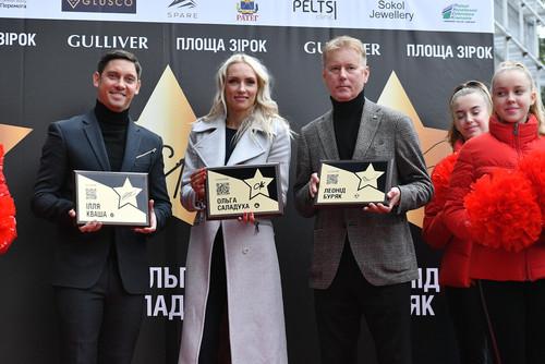 ФОТО. Леонид Буряк в позе терминатора на Площади звезд