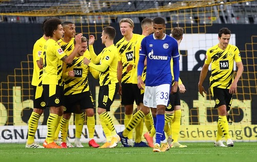 Бундеслига. Бавария забила 5 мячей Айнтрахту, а Боруссия Д – 3 гола Шальке