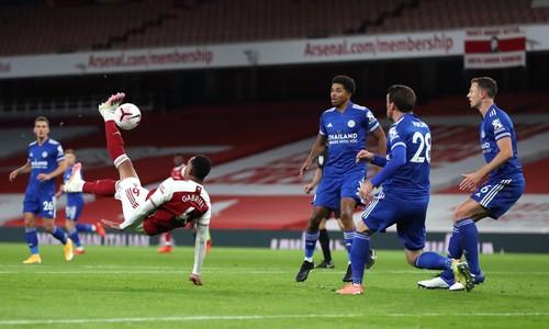 Соперник Зари на высоте. Лестер шокировал Арсенал в Лондоне