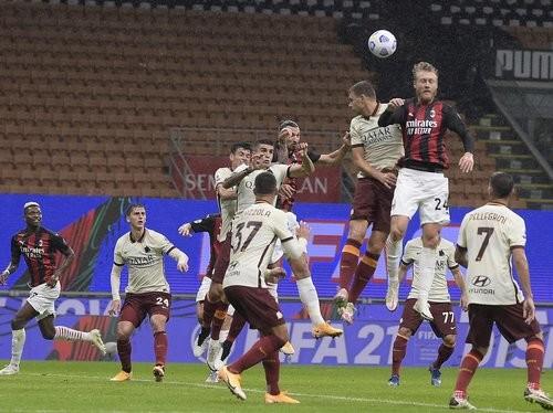 Рома вырвала ничью в битве с Миланом