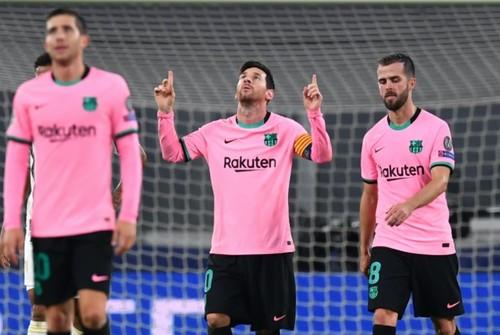 Тонкий троллинг. Барселона подколола Ювентус и Роналду после своей победы