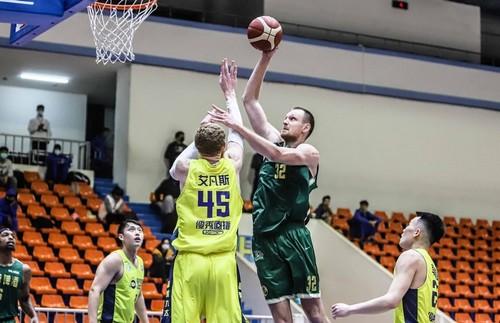Экс-игрок сборной Украины провел два уверенных матча в чемпионате Тайваня