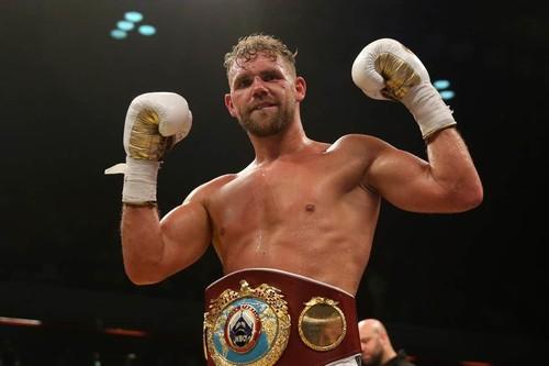 У британского боксера забрали лицензию за видео, как правильно бить жену