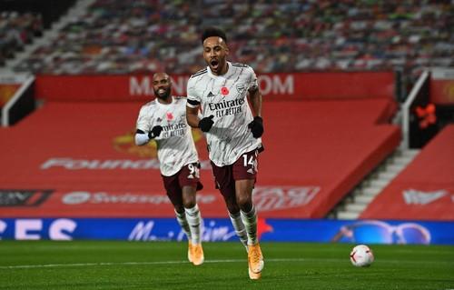 Гол Обамеянга принес Арсеналу победу над Манчестер Юнайтед