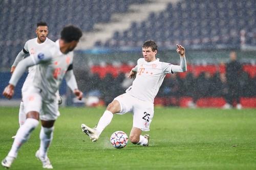 Бавария в суперрезультативном матче перестреляла РБ Зальцбург
