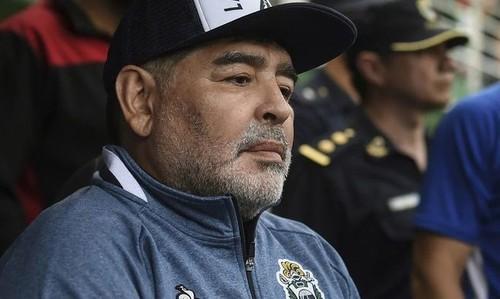Марадона отпраздновал 60-летие и перенес операцию на головном мозге