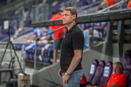 Бывший тренер Карпат расторг контракт с Ригой
