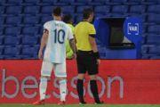 ВІДЕО. Арбітр не зарахував гол Мессі за Аргентину після перегляду VAR