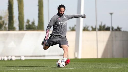 Иско покинет Реал. Зидан не видит его в команде