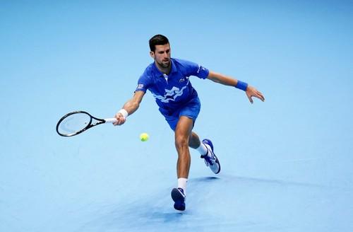 Джокович стартовал победой над Шварцманом на Итоговом турнире ATP